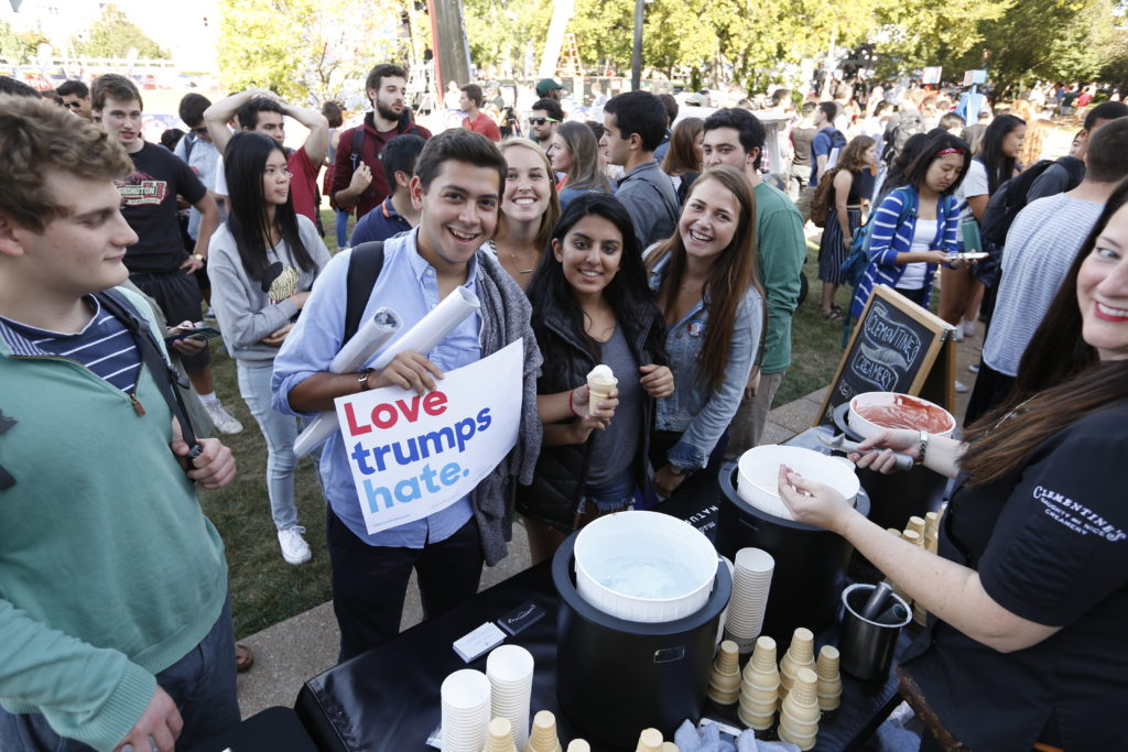 In addition to learning about important issues this election cycle, students also enjoyed ice cream. (Photo: Jerry Naunheim Jr./Washington University)