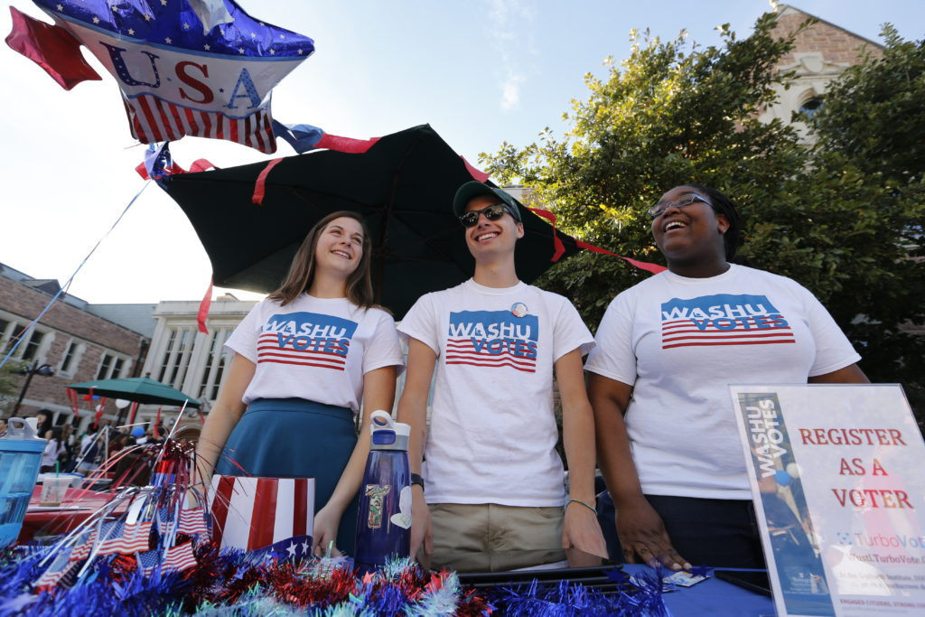 Student Union sponsored a Debate Fair, focusing on important issues this election cycle, registering students to vote and offering ice cream, a photo booth and more. (Photo: Jerry Naunheim Jr./Washington University)